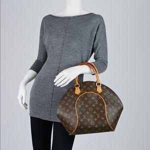 ❗️RARE structured Louis Vuitton bag